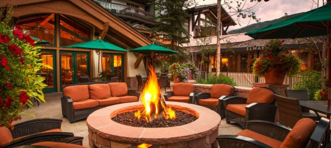How to Decorate Around a Fire Pit for a Cozy, Fun Setting